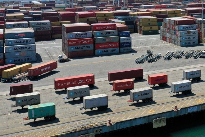 العجز التجاري الأمريكي يبلغ ذروة جديدة في مارس بفعل تنامي الطلب