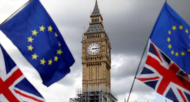 تراجع صادرات قطاع الخدمات في بريطانيا بعد قرار الخروج من الاتحاد الأوروبي