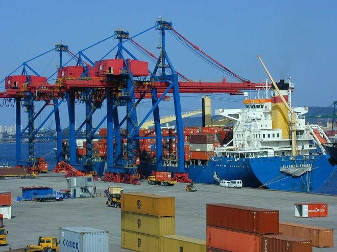 البرازيل تسجل فائضا تجاريا 9.3 مليار دولار في مايو