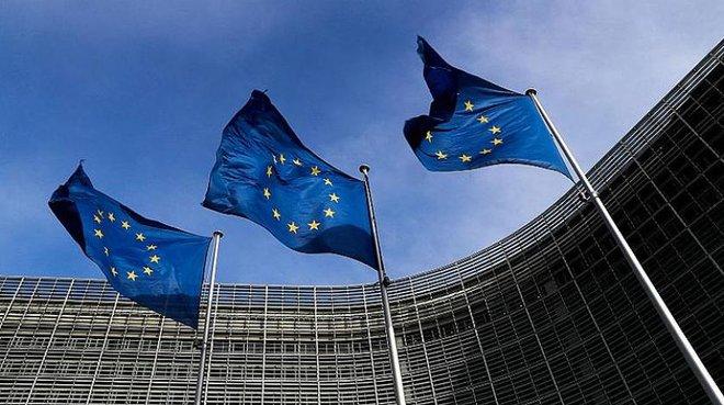 الاتحاد الأوروبي يبقي سقوف الإقتراض معلقة