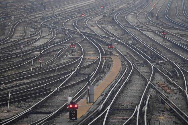 لتوفير 54 مليار دولار .. بريطانيا تؤجل تطوير خط سكك حديدية