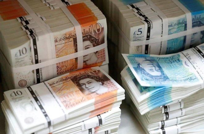 الاسترليني يحتفط بمكاسبه أمام الدولار