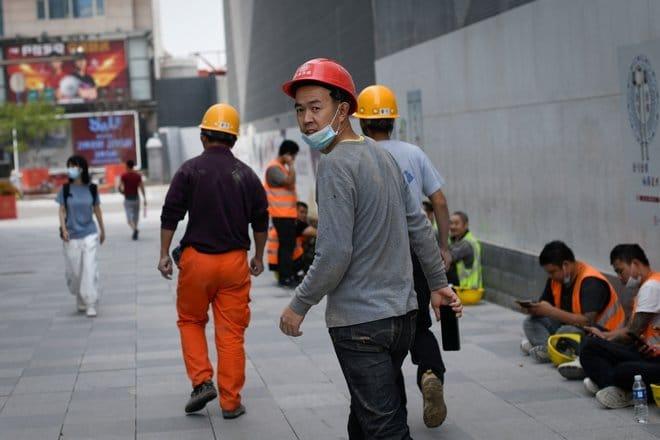 الاقتصاد الصيني يواجه ضغوطا بفعل تباطؤ نشاط المصانع وتراجع الخدمات