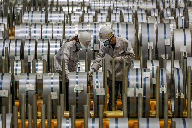 النشاط الاقتصادي لقطاع التصنيع الصيني ينكمش بفعل ارتفاع إصابات كورونا