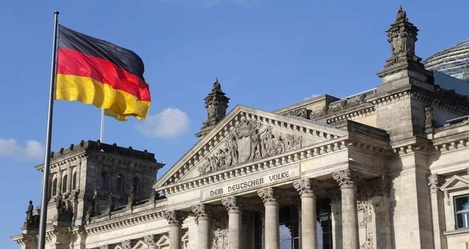 تراجع معنويات المستثمرين الألمان ونقص المواد يكبح التعافي