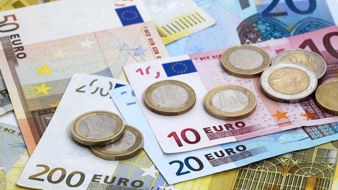 اليورو يرتفع قبيل قرار المركزي الأوروبي بشأن شراء السندات