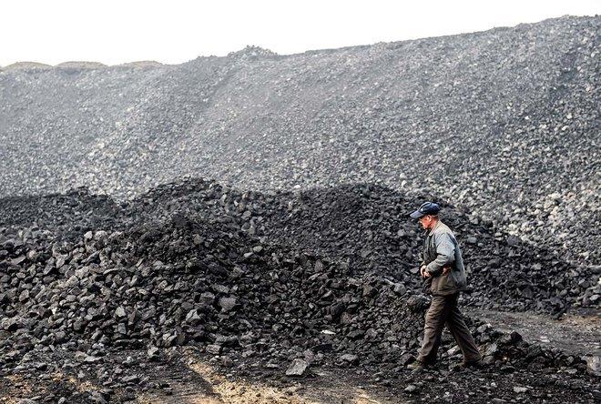 الصين: فيضانات تعطل إنتاج الفحم وترفع سعره 12 %