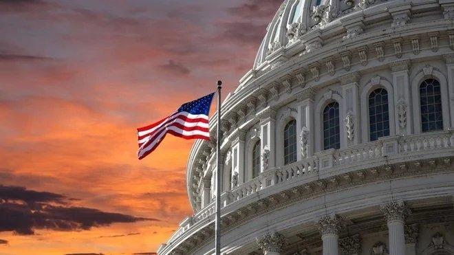 أمريكا : السماح برفع سقف الدين العام بمقدار 480 مليار دولار